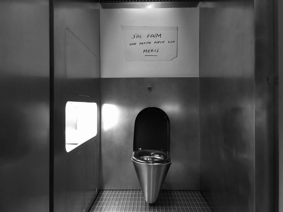 15_fondazione_prada_toilet_12_09_15